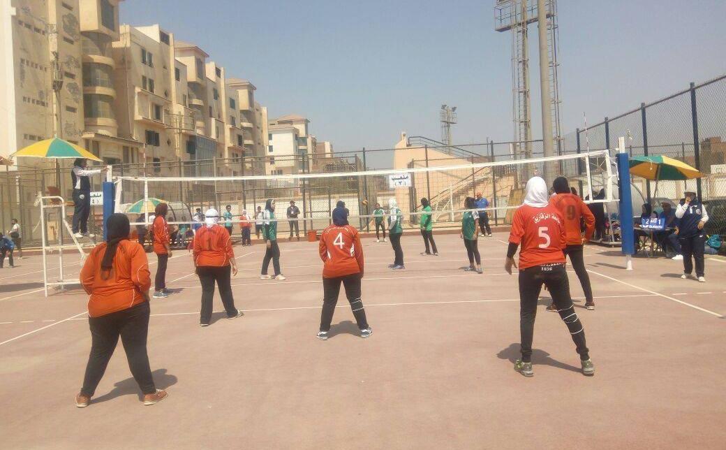 في كرة الطائرة للطالبات.. فوز جامعات حلوان والقاهرة والإسكندرية