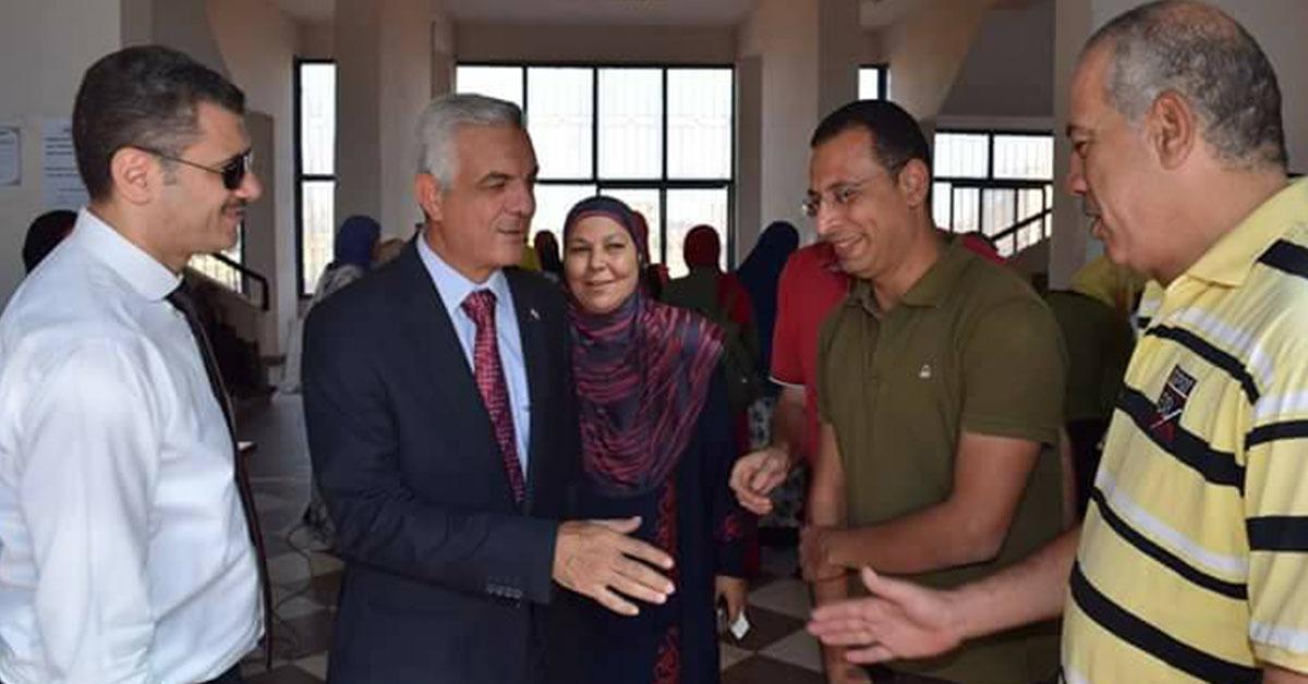 نائب رئيس جامعة المنوفية يتفقد المدن الطلابية عقب انتهاء أسبوع شباب الجامعات