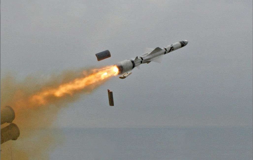 الحوثيون يقصفون الإمارات بصاروخ «كروز»
