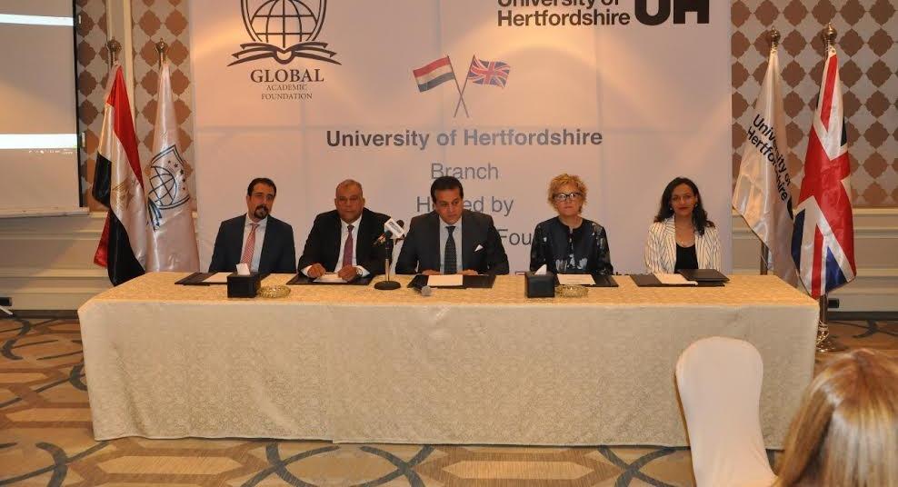 وزير التعليم العالي: إنشاء فرع لجامعة «هيرتفوردشاير» البريطانية بالعاصمة الإدارية الجديدة