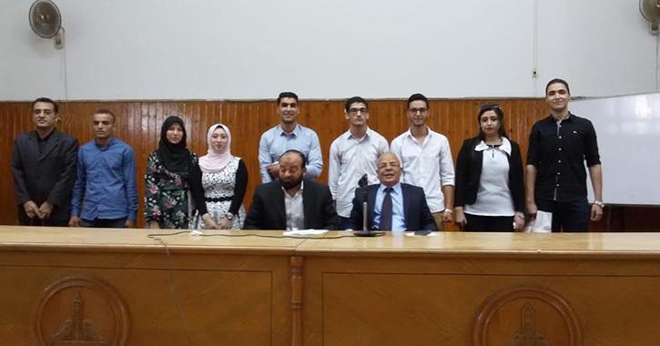 كلية الحقوق جامعة عين شمس تكرم الطلاب الأوائل