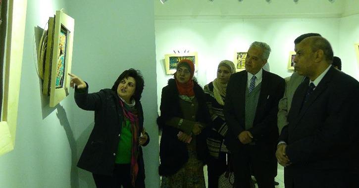 افتتاح معرض «بدايات» في كلية التربية الفنية جامعة المنيا