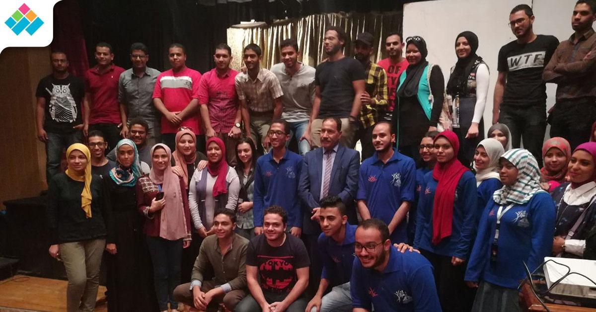 بالصور .. نائب رئيس عين شمس لشئون الطلاب يشارك في برلمان الشباب