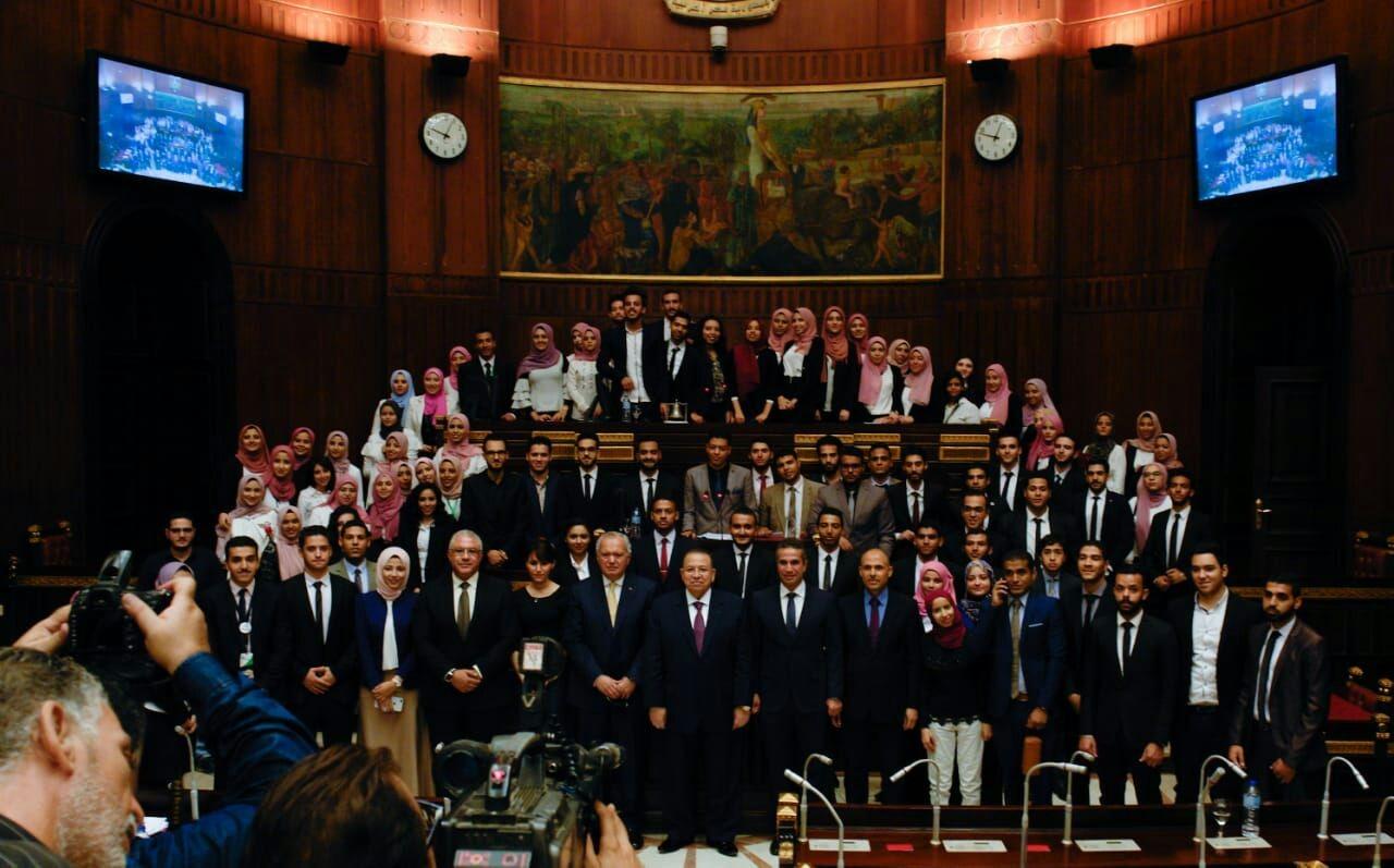 شاهد طلاب الجامعات المصرية في جلسة محاكاة بالبرلمان
