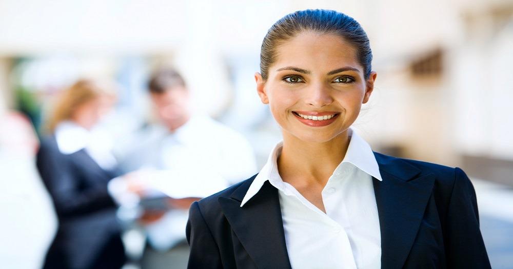 شركة نقل سياحي تطلب موظفة علاقات عامة