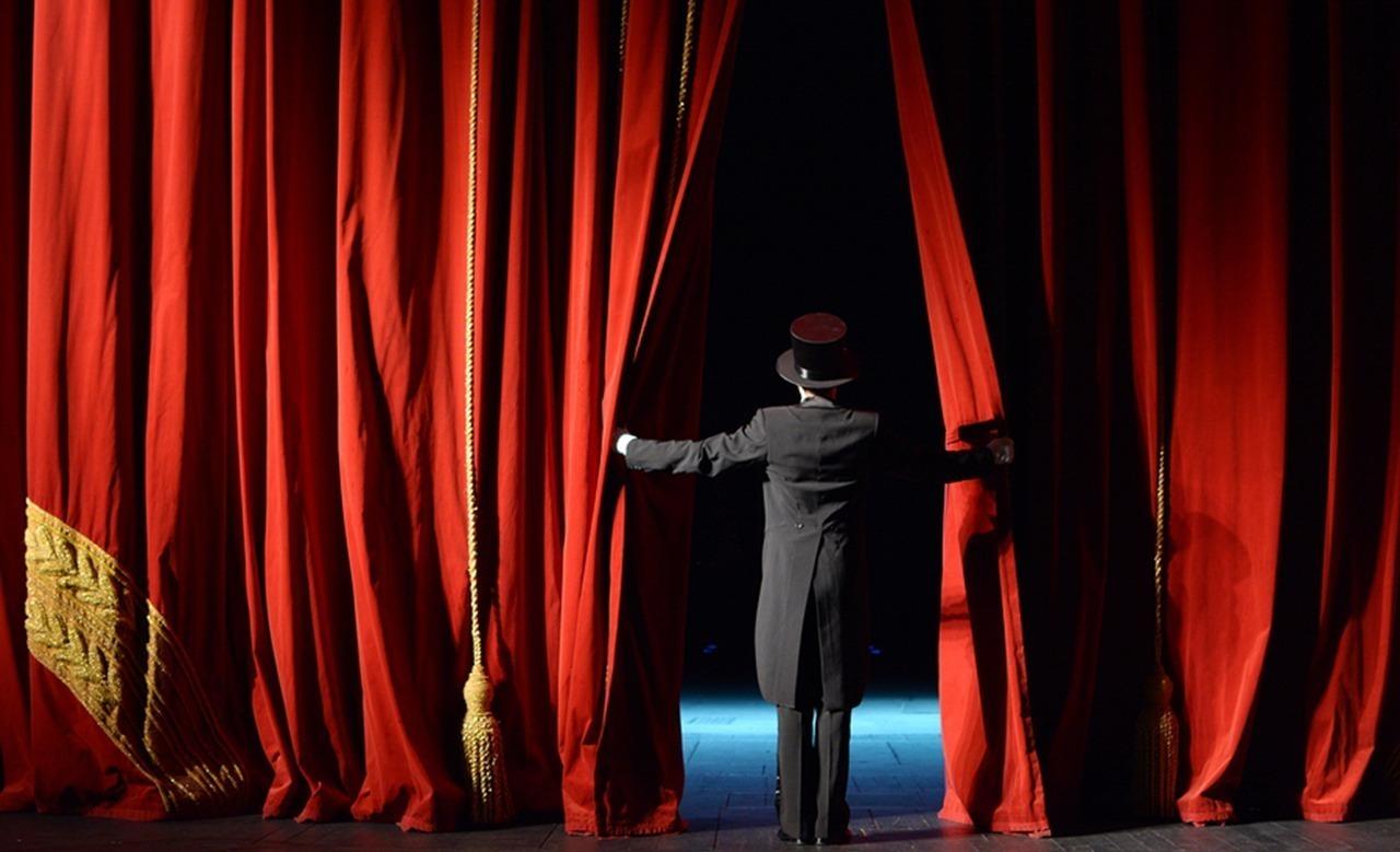 خروجتك عندنا.. مسرحية «في قلبى أنثى عبرية» بساقية الصاوي
