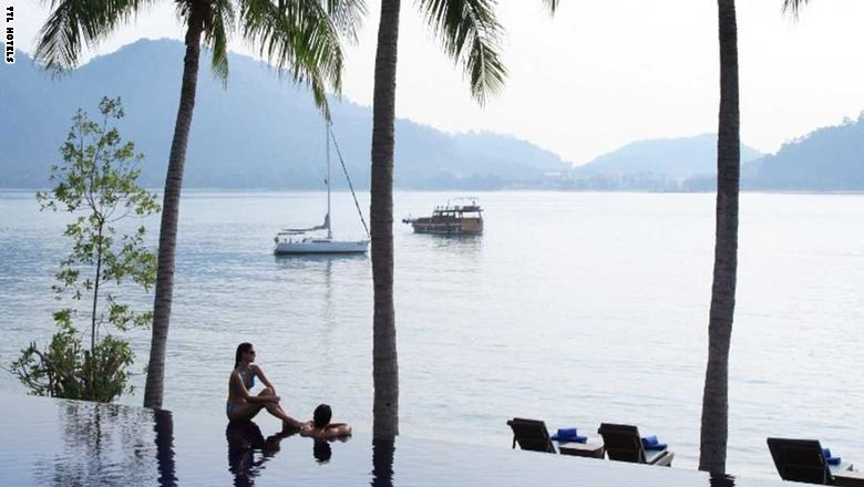 صور| جزر «الفردوس».. هكذا تكون الجنة في آسيا