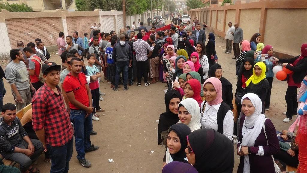 8 أوتوبيسات من جامعة المنيا للجان الانتخابات في اليوم الثالث