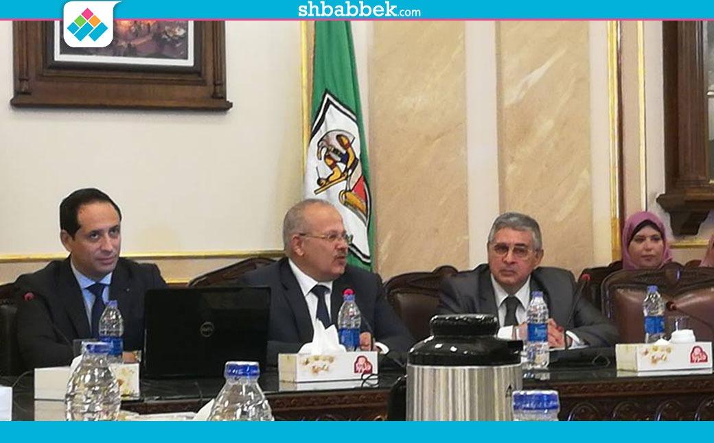 بحضور الكاتب أحمد سالم.. جامعة القاهرة تفتتح الصالون الثقافي لها (صور)