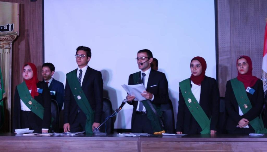 طلاب كلية الحقوق جامعة المنيا يتدربون على إجراء «المحاكمة»