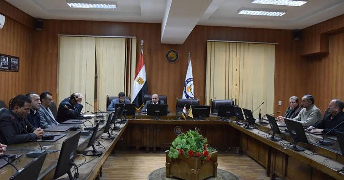 جامعة بني سويف تشترط «كشف نفسي» على تعيين مشرفي الأمن الإداري