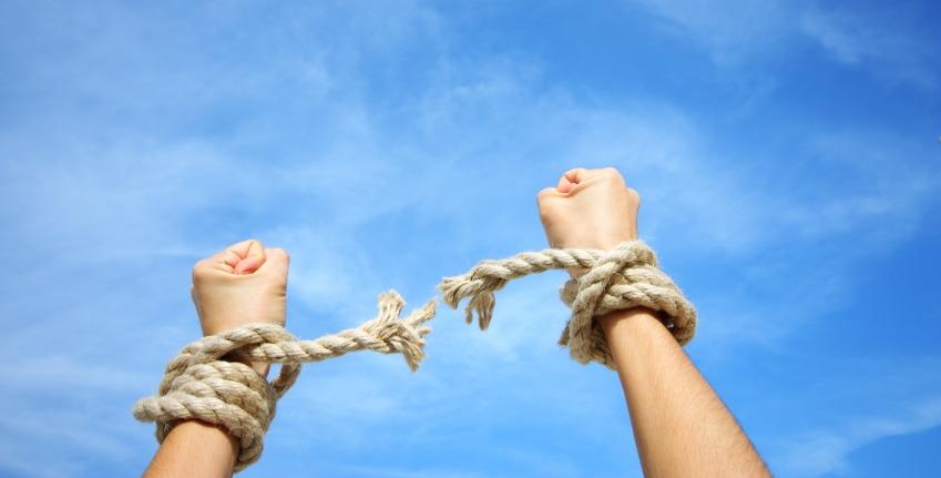 http://shbabbek.com/upload/علاج الإدمان في المنزل.. كيف تستغل الإجازات في إنقاذ حياتك؟