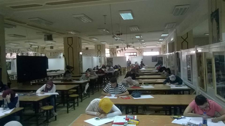 طلاب الثانوية يستكملون اختبارات القدرات في جامعة المنصورة