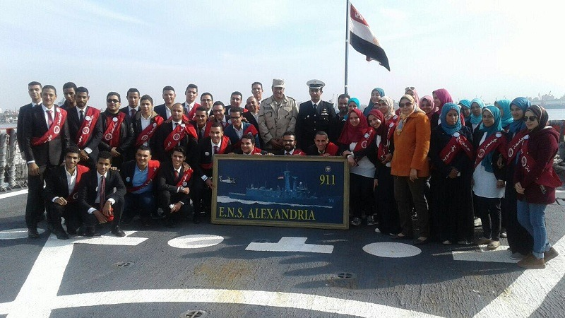 طلاب جامعة بنى سويف في ضيافة القاعدة البحرية
