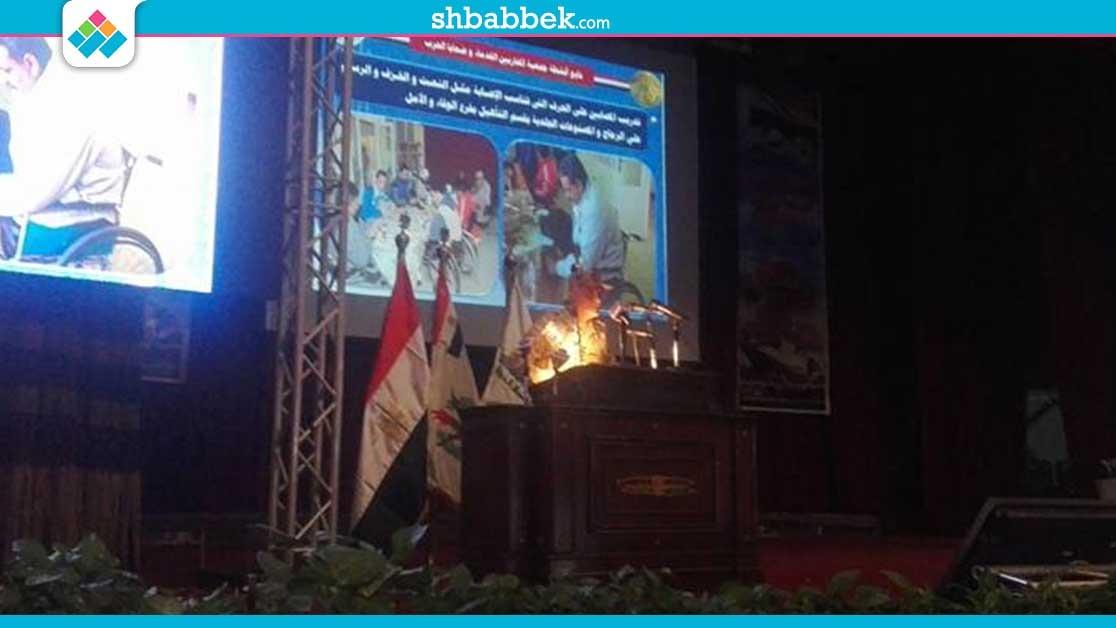 قائد الدفاع الشعبي يستعرض لطلاب جامعة القاهرة نتائج العملية الشاملة في سيناء