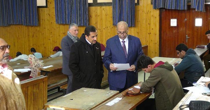 رئيس جامعة المنيا يتفقد لجان امتحانات طلاب كلية الهندسة (صور)