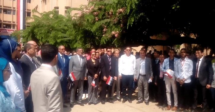 تحية العلم في كلية الآداب بحضور رئيس جامعة بنها