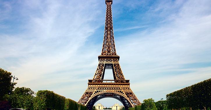 إغلاق برج إيفل في فرنسا «حتى إشعار آخر».. ما السبب؟