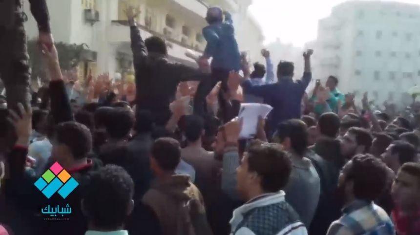 تظاهر طلاب وطالبات جامعة بني سويف تضامنا مع القدس
