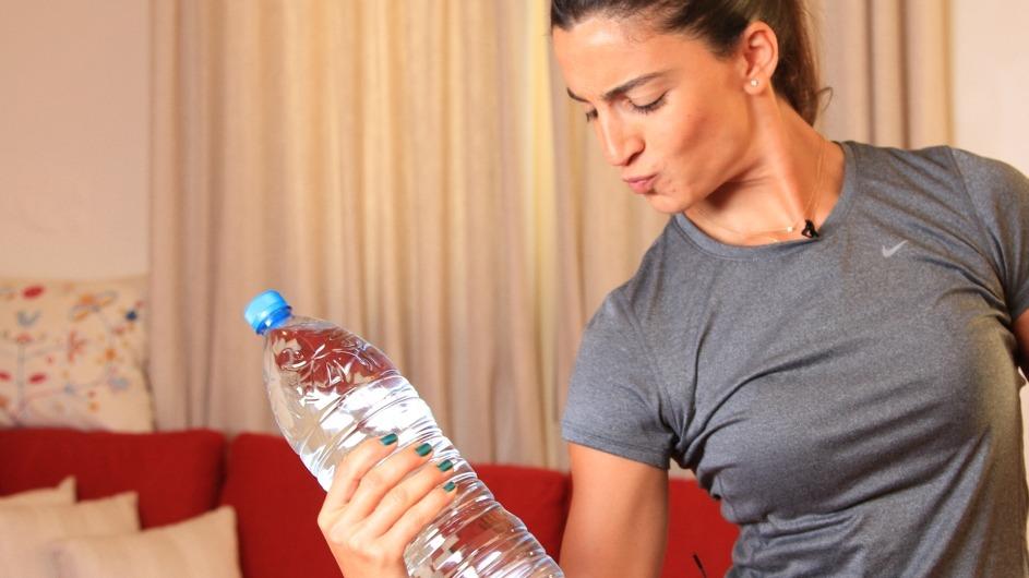للبنات.. تمارين خفيفة لتقوية عضلات الذراعين وتنحيفها (فيديو)