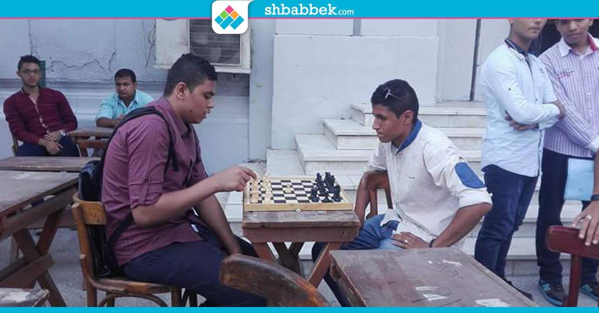في أول يوم دراسة.. «تجارة القاهرة» تنظم مسابقات «شطرنج» للطلاب