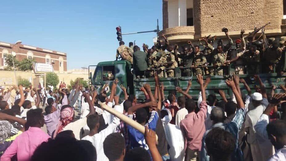 ماذا يحدث في السودان؟..مقتل 8 مواطنين في انتفاضة غير عادية