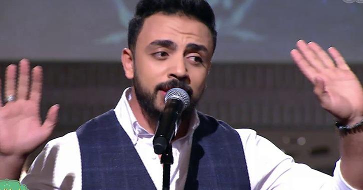 المطرب عماد كمال يغني «ريح المدام» في حفل افتتاح أسبوع شباب الجامعات