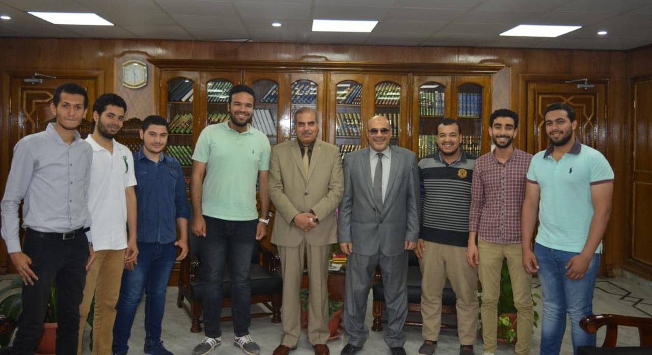 رئيس جامعة الأزهر يستقبل أصحاب مبادرة «بلانتولوجي» لتدريب طلاب كلية الزراعة