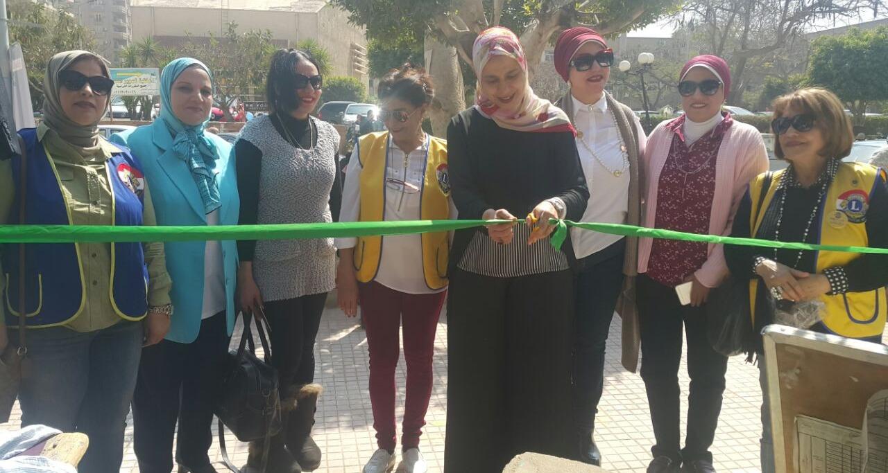 معرض خيري في كلية البنات بعين شمس