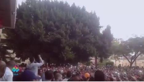 نجم آراب أيدول محمد حسن يشعل حماس طلاب جامعة القاهرة