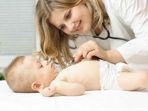 الأطفال الرضع المغص